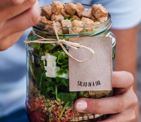 jar salad, healthy recipes you can make with your kids, healthy recipes for kids to make, fun recipes for kids to make, healthy recipes for kids, healthy kid friendly recipes